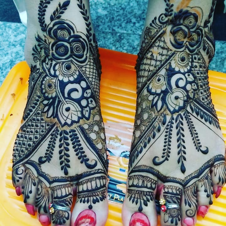 Famous Best bridal Mehandi artist East Delhi